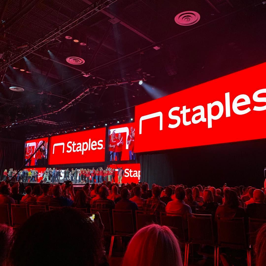 Staples办公用品公司VI设计, 发布会设计