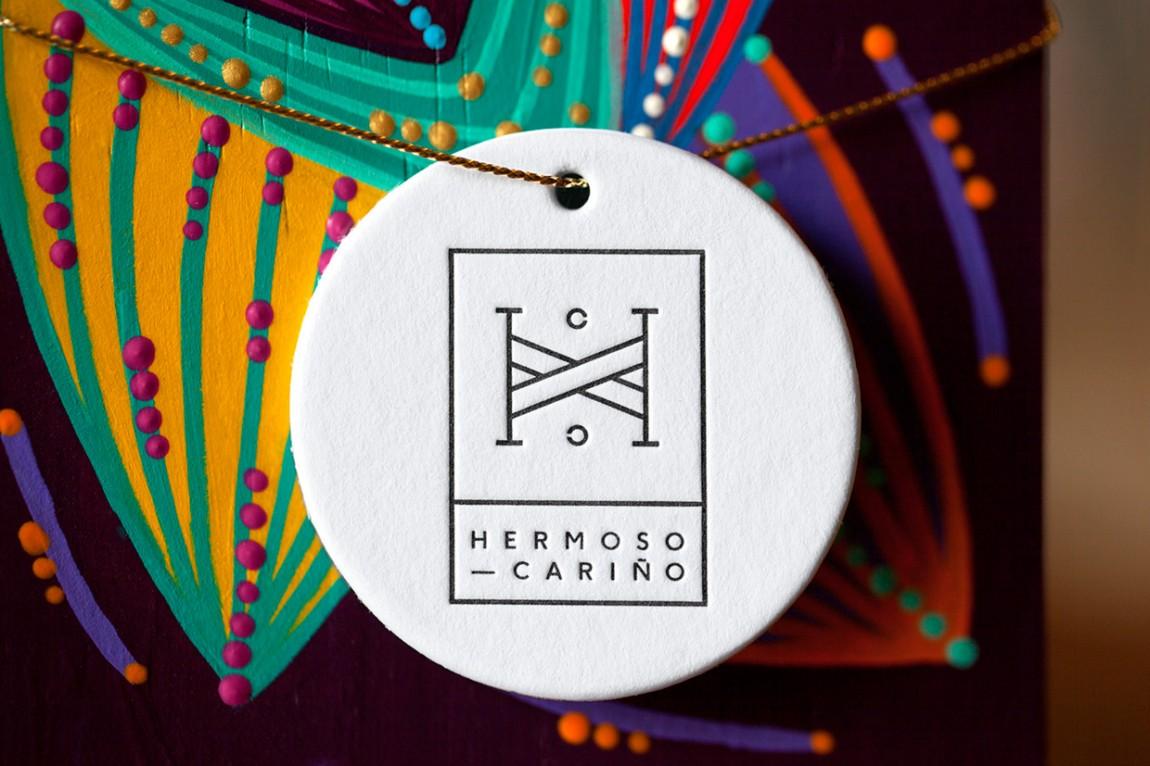 Hermoso Cariño 创意品牌logo设计:吊牌设计