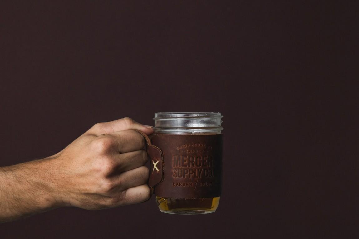 高端美容品牌形象定位设计:杯子隔热垫设计