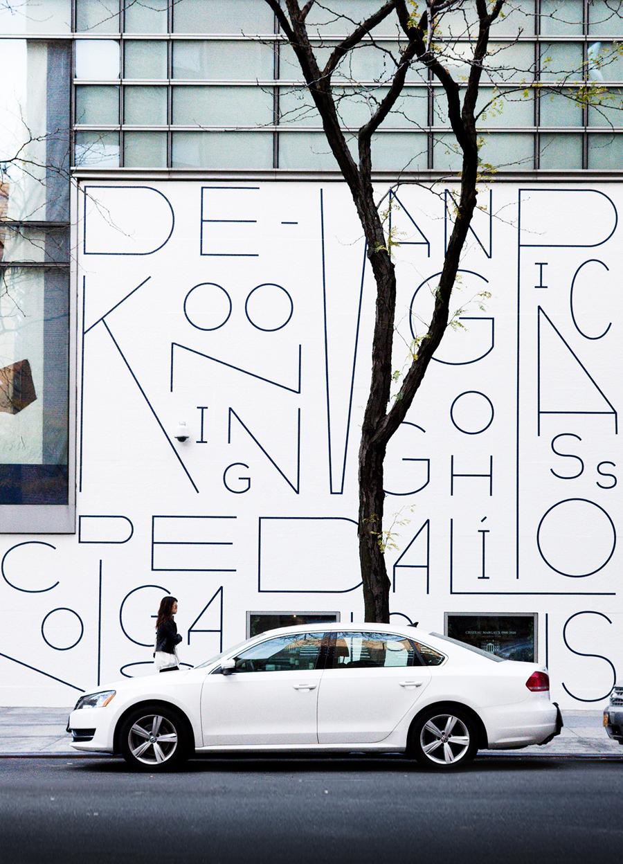 苏富比拍卖会vi形象设计,户外广告设计