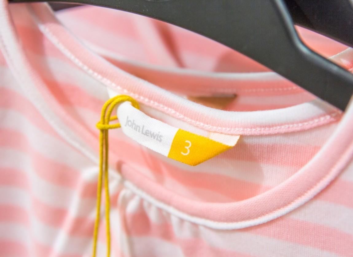 伦敦Boys&Girls服装品牌设计策划案例理念说明,服装标签设计