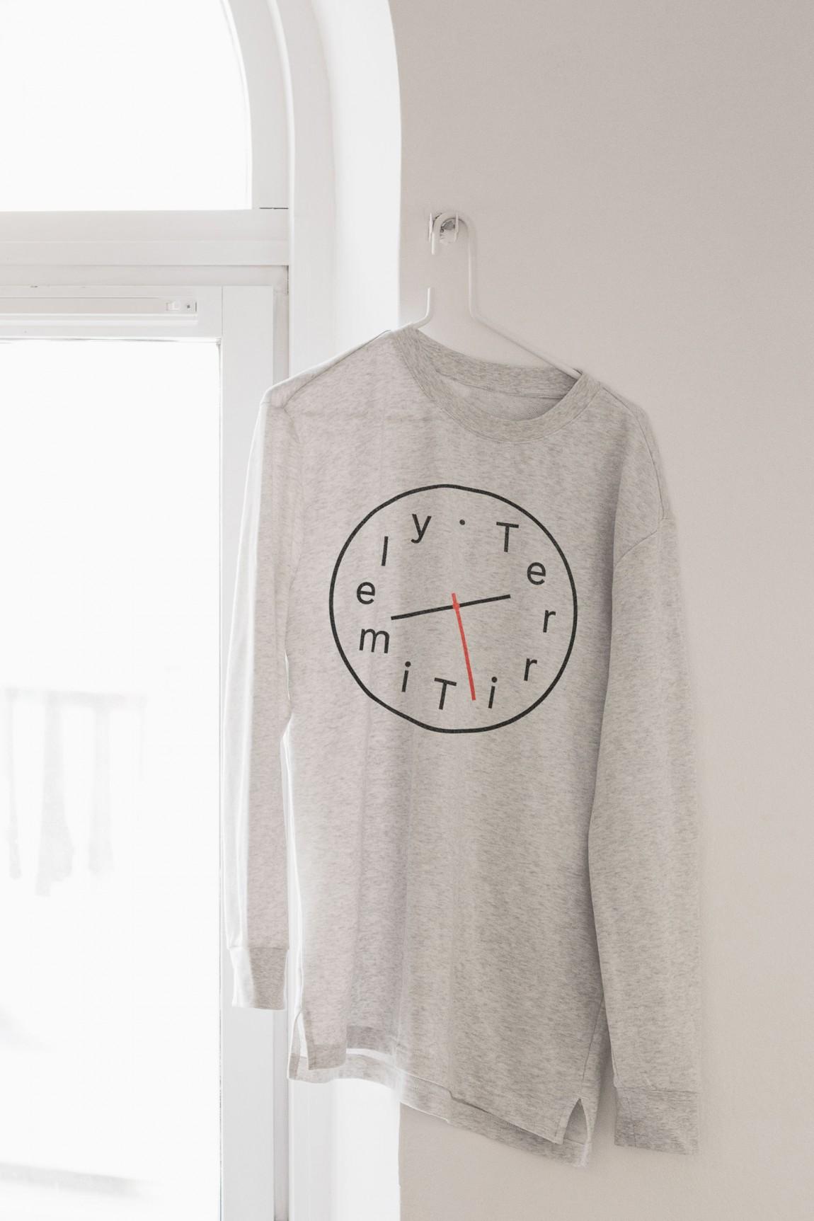Terri Timely影视公司品牌形象识别系统VIS设计,T恤衫设计
