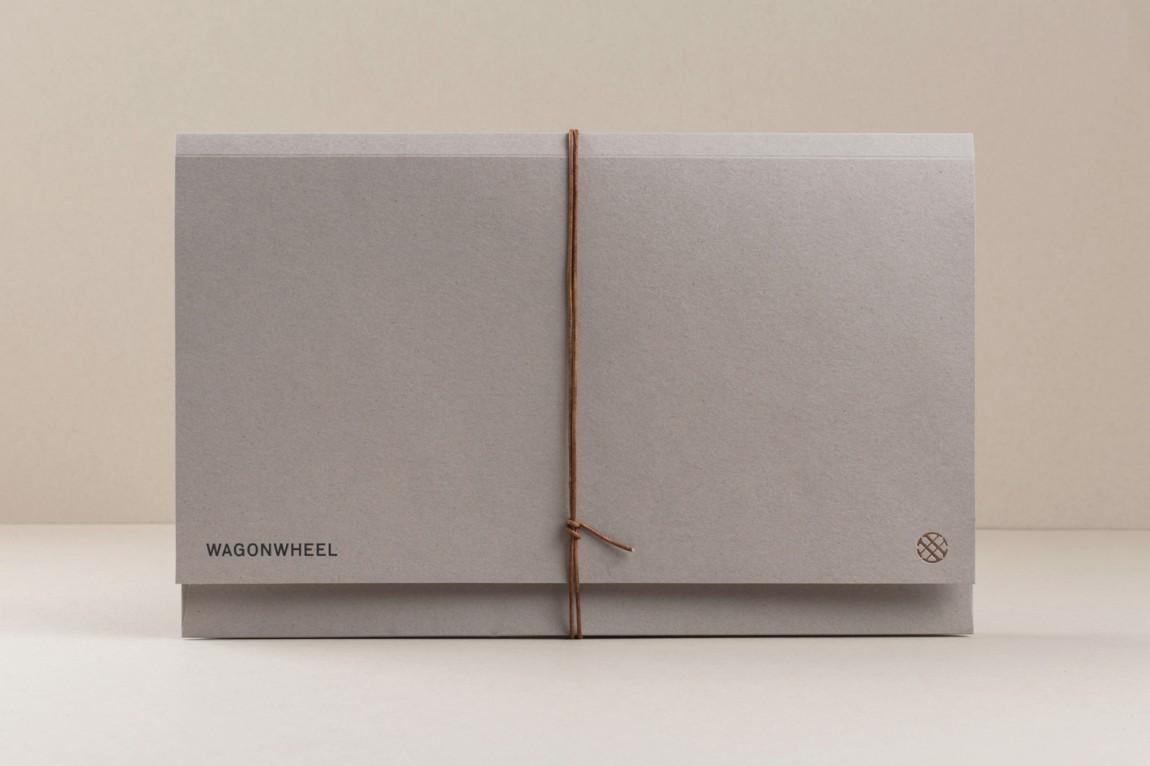 精品房地产公司Wagon Wheel现代企业形象设计,文件夹设计