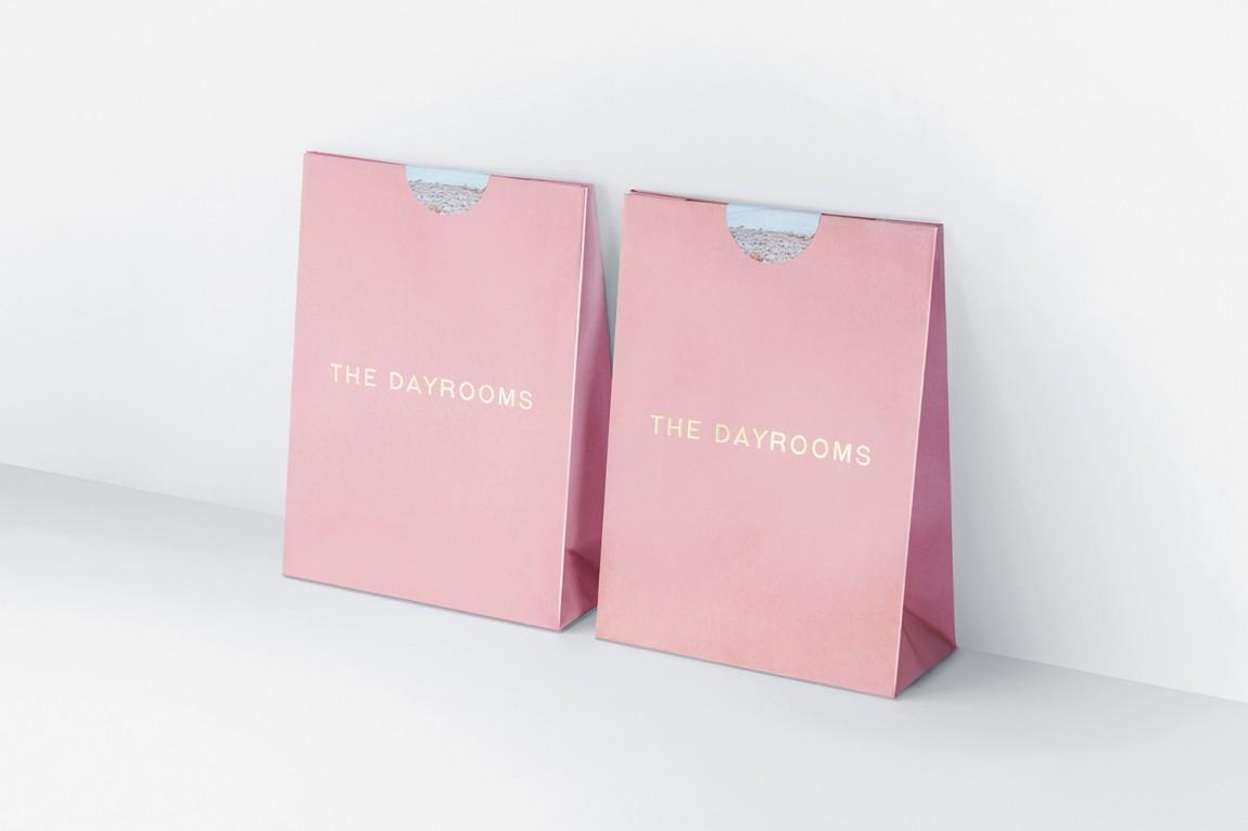 Dayrooms服装VI设计