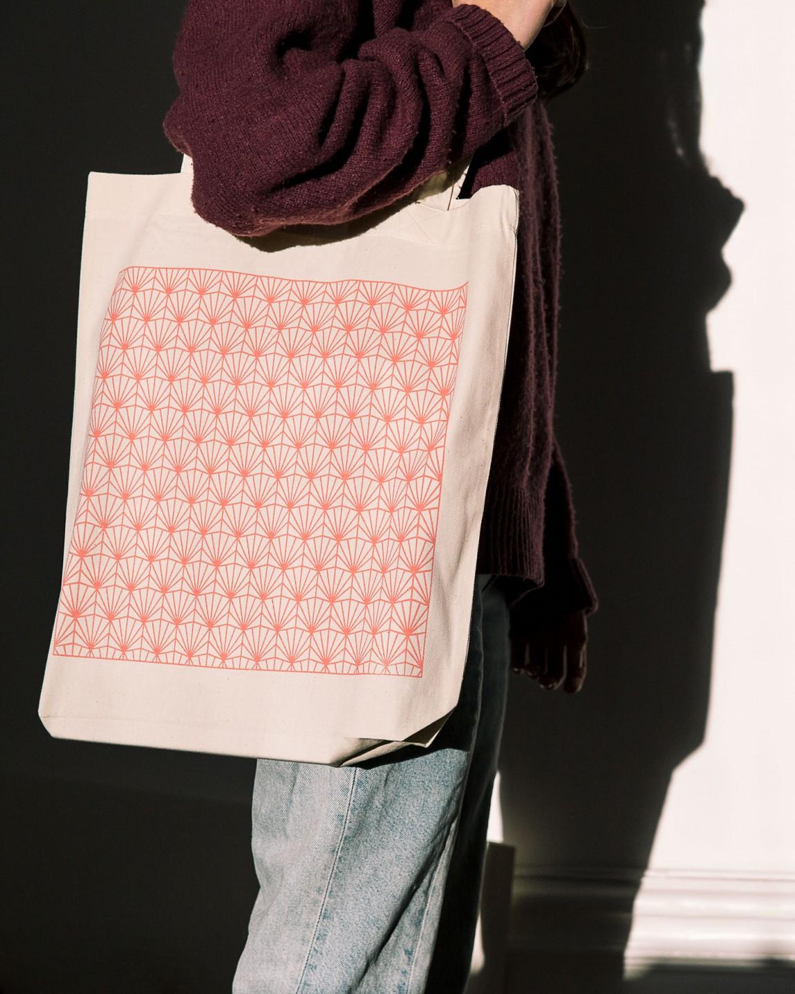 Fab Media瑞典媒体公司品牌升级改造,手提袋设计