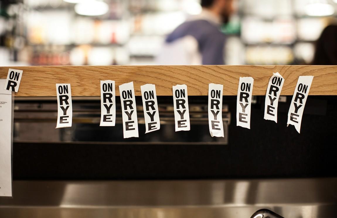快餐连锁企业On Rye餐饮品牌全案设计,标签设计