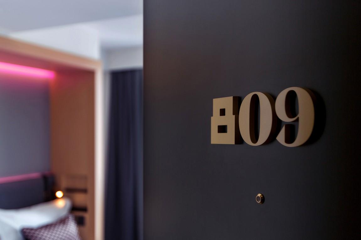 Assembly城市酒店VI品牌形象设计,酒店客房导视系统设计