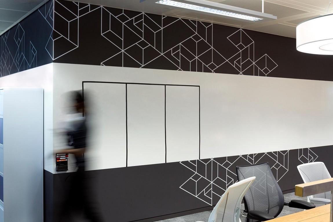 BBC Creative品牌形象策划,形象墙设计