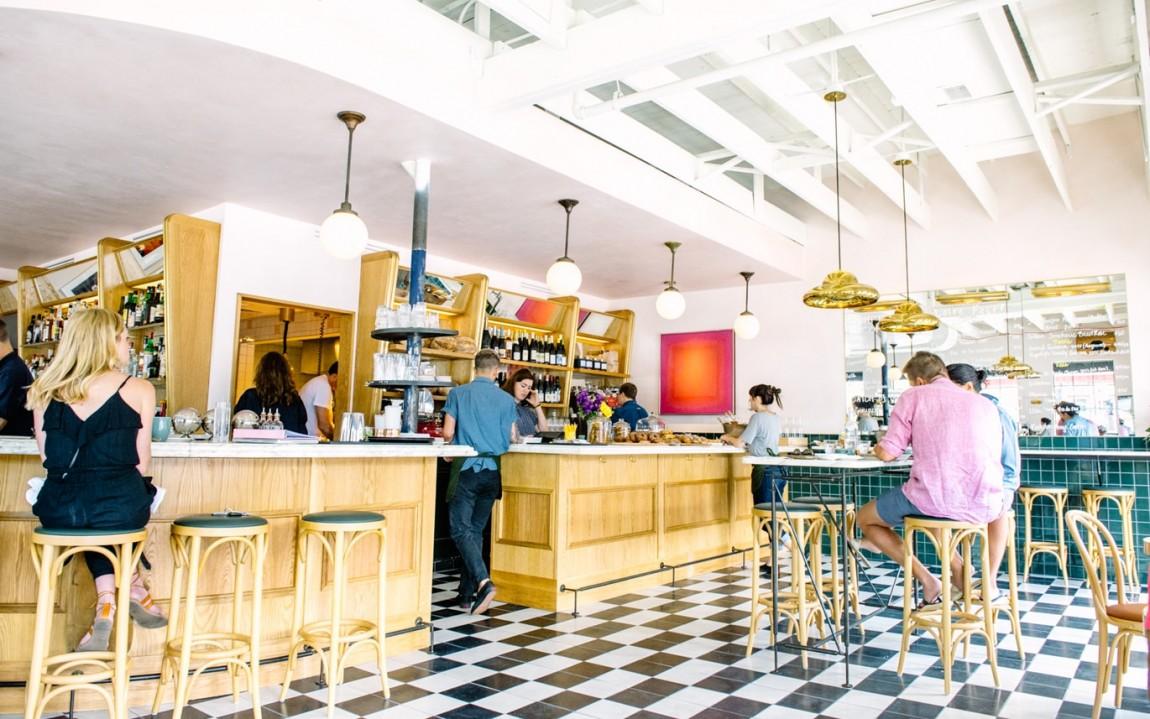 June 's 咖啡馆和酒吧餐饮vi设计,空间设计