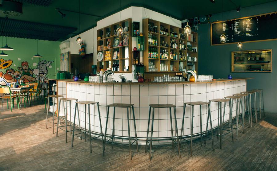 4A广告公司分享:热情和疯狂墨西哥餐厅vi设计创新设计,餐厅空间设计