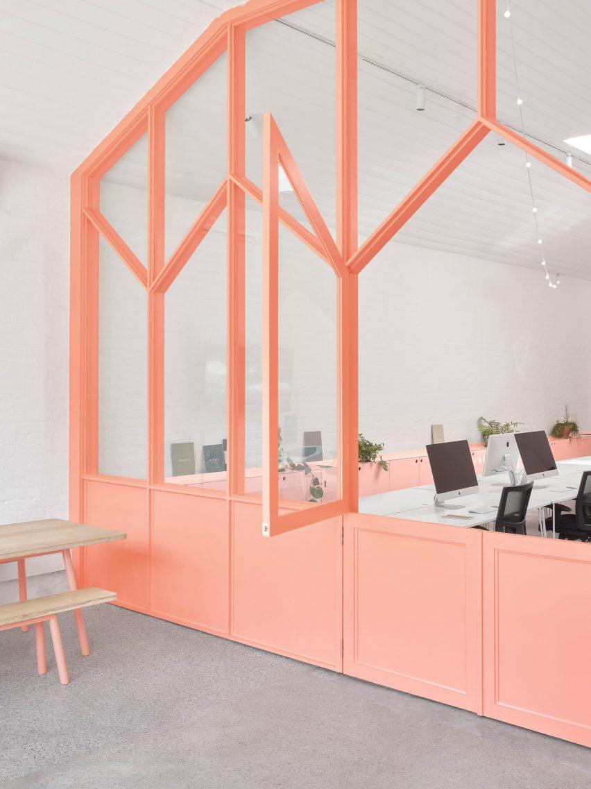 墨尔本共享工作室空间装修设计,通过空间深度探索颜色应用