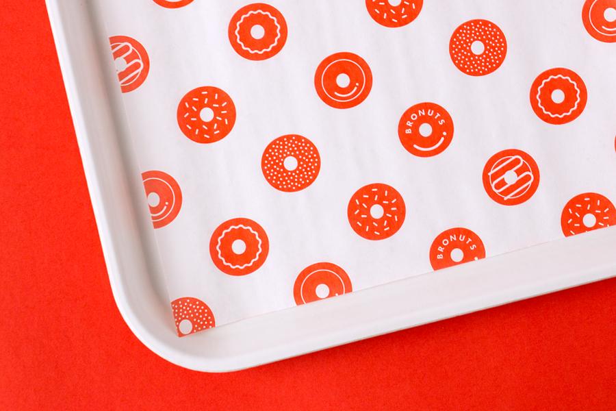 Bronuts品牌vi设计,餐巾纸设计