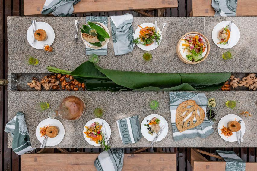 绿色餐饮空间设计,让顾客坐在深林深处就餐