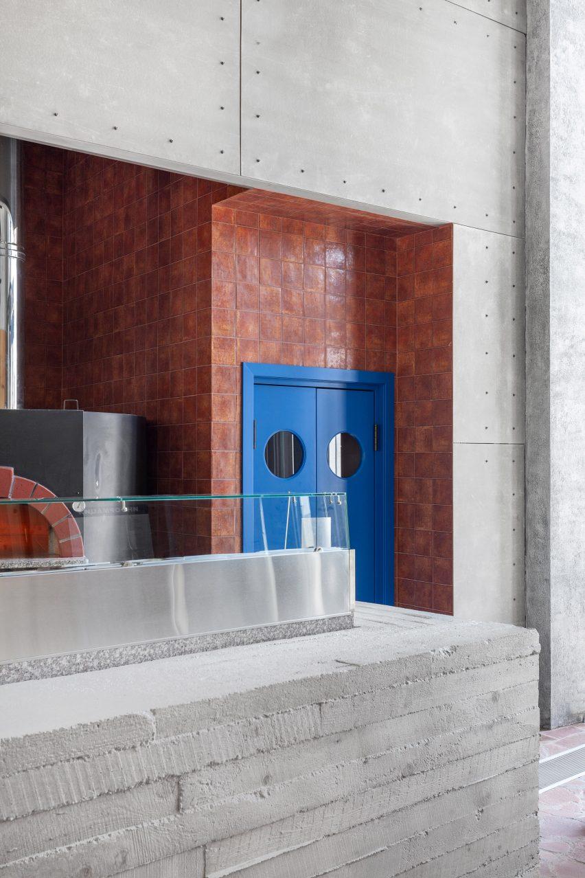 Fanfood比萨店西餐厅设计,体育主题餐厅设计