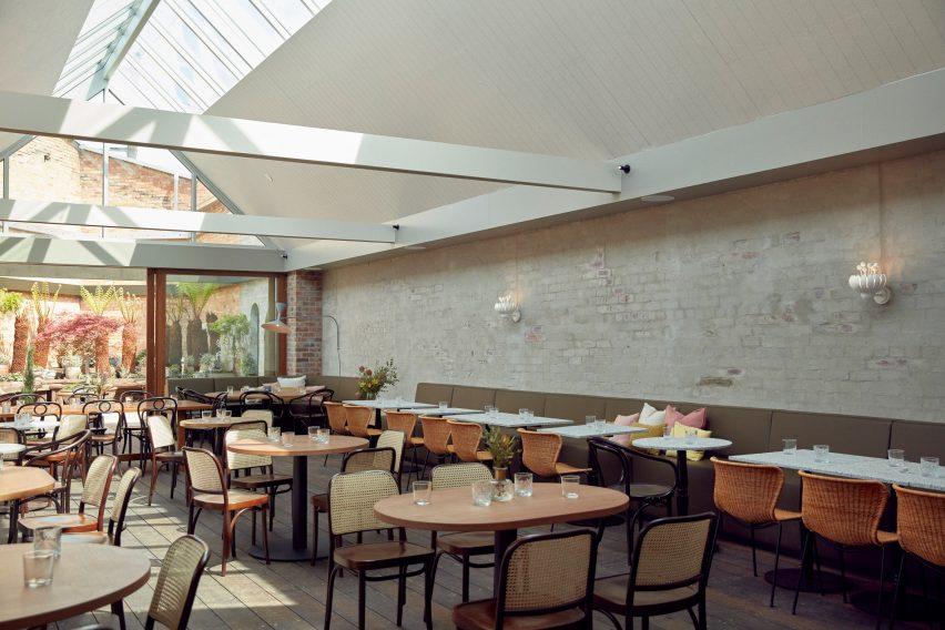 墨尔本私人精品餐厅空间设计,空间凝聚着舒适的美感