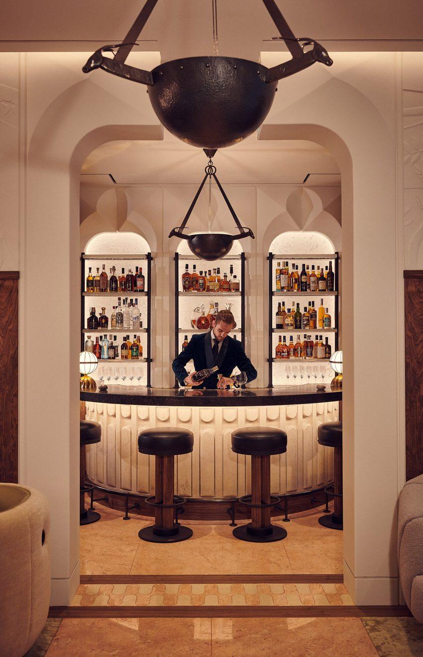 伯克利骑士桥五星级酒店酒吧空间设计