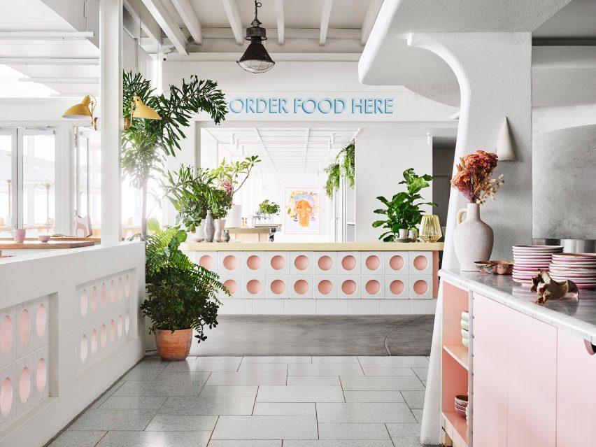 布里斯班海滨餐厅设计,阳光充足的度假餐厅