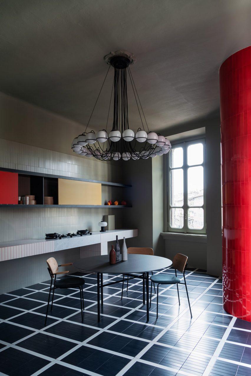 大胆的现代公寓室内设计,很黑,很冷很特别