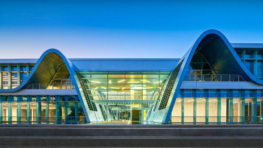 硅谷科技园办公综合体建筑空间设计