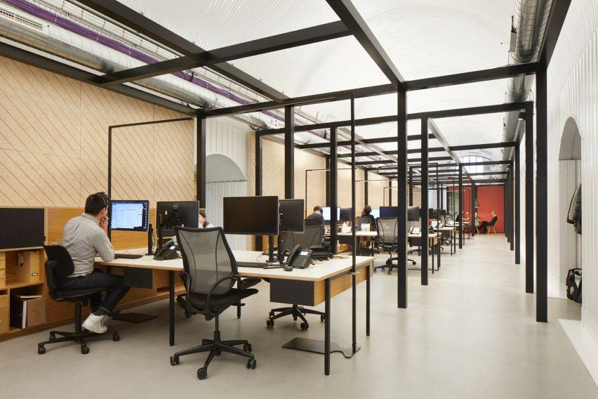 蒙茅斯monmouth咖啡馆风格办公室空间设计