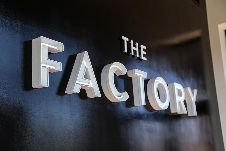美国factory时装零售品牌vi设计,标识牌设计