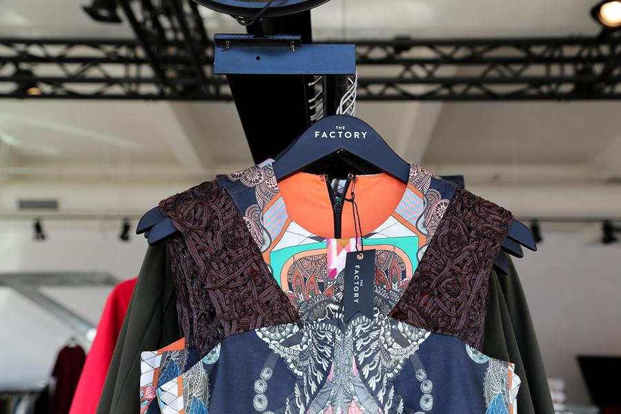 美国factory时装零售品牌vi设计,衣架设计
