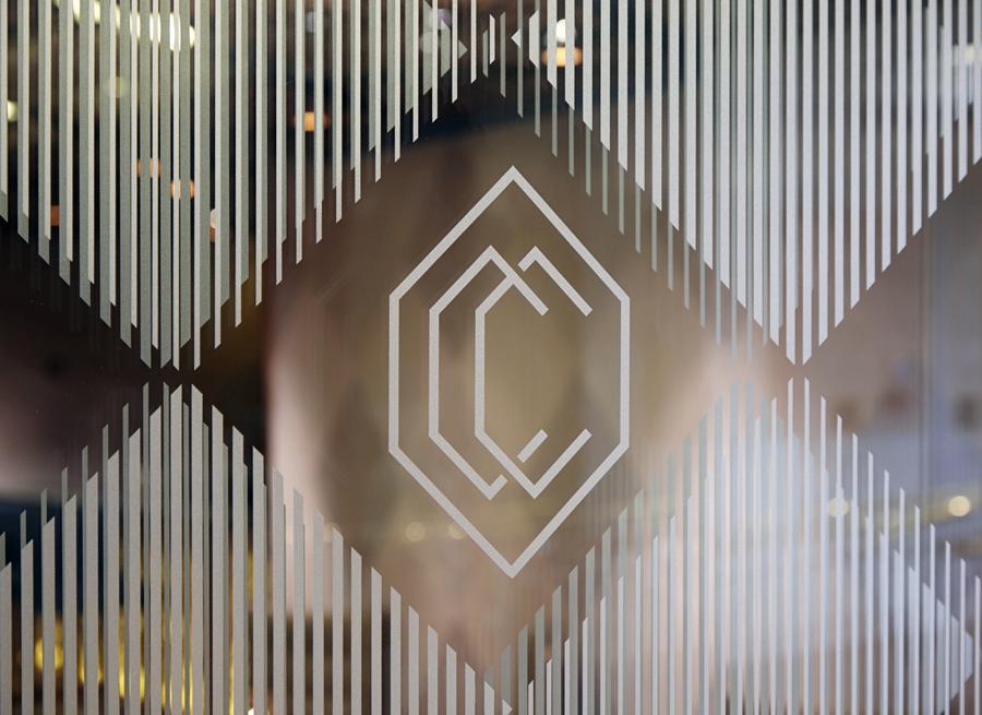 伦敦CCBar酒吧品牌形象塑造vi设计,酒吧视觉环境设计