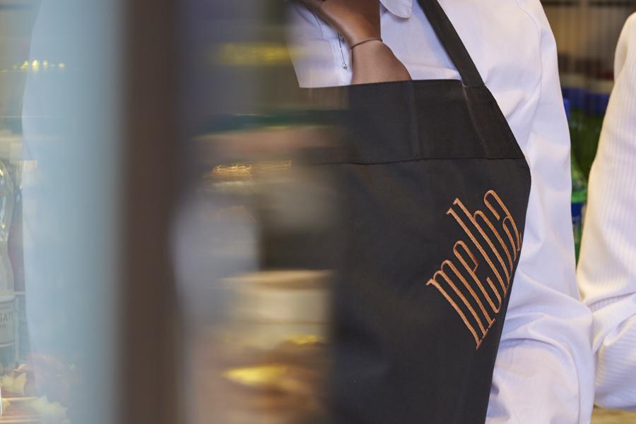 轻食咖啡馆Melba品牌形象策划,品牌形象设计,服装设计