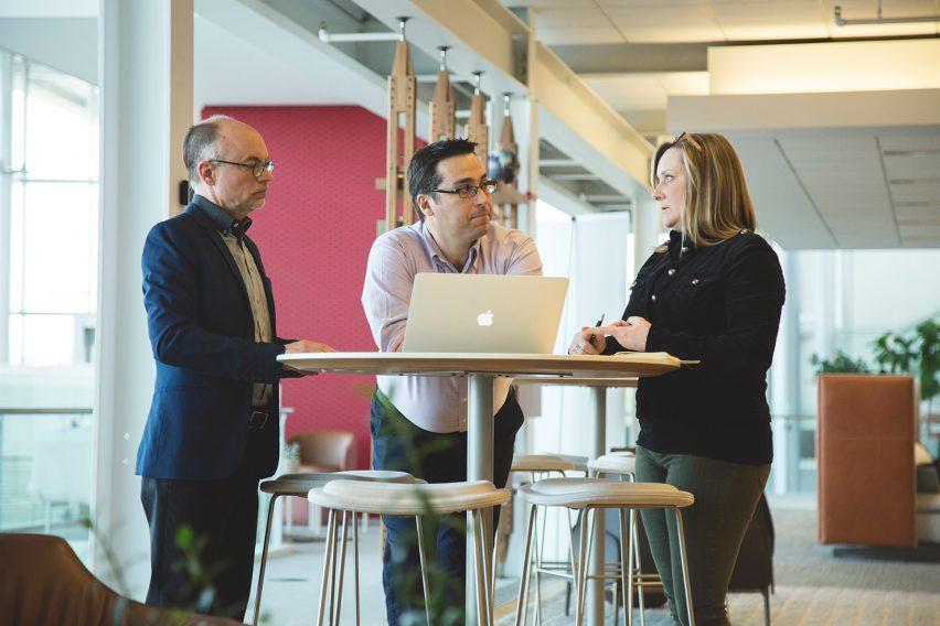 把健康放在第一位的现代办公室设计会让工作更高效