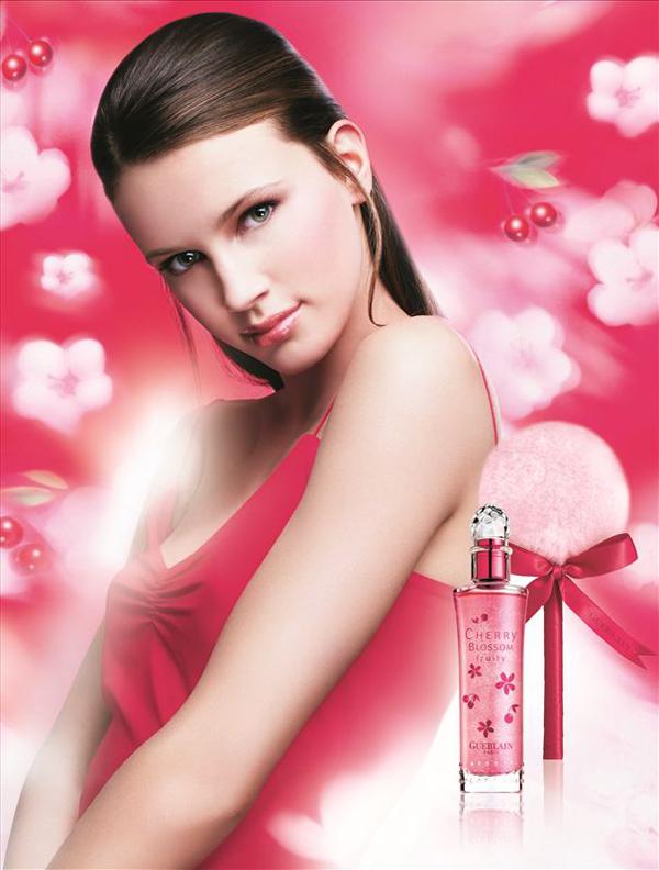 广州广告设计公司整理:香水品牌广告设计理念